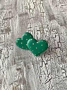 Náušnice - maľované bodkované srdiečka (smaragdova s ružov. bodkami) - 11448549_