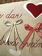"""Úžitkový textil - Sviatočný výpredaj - vankúšik """"Rodina je dar, ktorý trvá večne..."""" - 11452877_"""