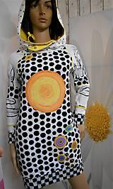 "Šaty - "" Black & white "" - mikinošaty s vačkami a kapucňou - 11453022_"