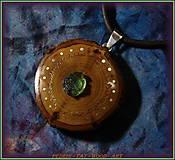 Náhrdelníky - 574. Dřevěný náhrdelník RAKYTNÍK - VLTAVÍN - 11451141_