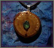 Náhrdelníky - 574. Dřevěný náhrdelník RAKYTNÍK - VLTAVÍN - 11451142_