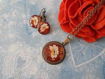 Sady šperkov - Biely kvietok v hnedej - 11451472_