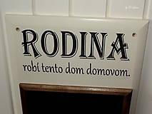 Tabuľky - Kriedová tabuľa s vešiakmi - RODINA - 11455728_