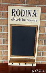 Tabuľky - Kriedová tabuľa s vešiakmi - RODINA - 11455733_
