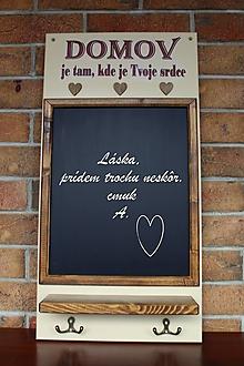 Tabuľky - Kriedová tabuľa s vešiakmi - DOMOV - 11455821_