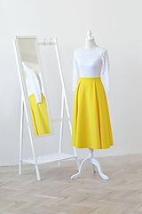 Midi spoločenské šaty