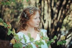 Ozdoby do vlasov - Mosadzný venček s apatitovými listami a bielymi kvetmi - Devanka - 11349391_