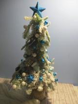 Dekorácie - Vianočný stromček - 11459831_