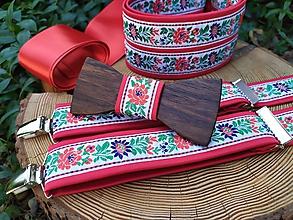 Doplnky - Pánsky drevený motýlik, traky a dámsky opasok - 11461281_
