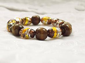 Náramky - Hnedý náramok s drevenými korálkami - 11460812_