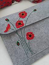 Na notebook - Maky (ručne vyšívaná plstená taška) - 11464175_