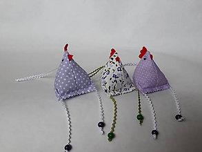 Dekorácie - Sliepočka -veľkonočná  dekorácia - levanduľové vrecúško - 11465266_