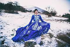 Šaty - Modré vyšívané šaty Poľana - 11465806_