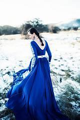 Šaty - Modré vyšívané šaty Poľana - 11465811_