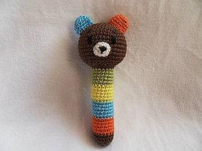 Hračky - Macko - háčkovaná hrkálka pre najmenších - 11465204_