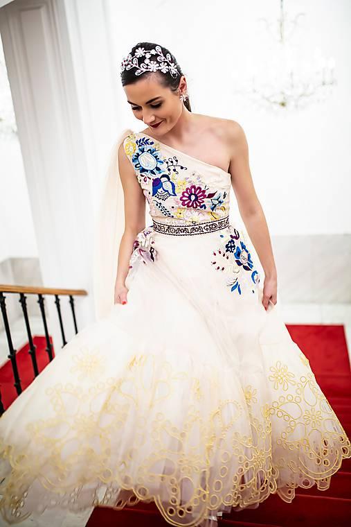 Béžové šaty Poľana