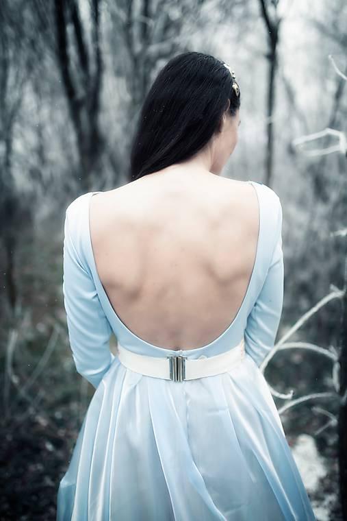 Svetlo modré šaty Poľana