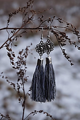 Náušnice - Náušnice strapcové - melír čierny - 11468265_