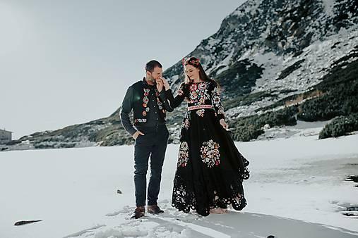 Čierne vyšívané šaty Poľana
