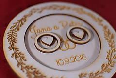 Prstene - Drevený podnos vankúšik na obrúčky gravirovaný 1 - 11467443_