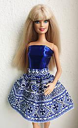 Hračky - Modrá suknička s folk vzorom pre Barbie - 11471883_