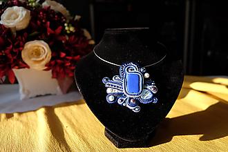 Náhrdelníky - Modrý náhrdelník - 11470163_