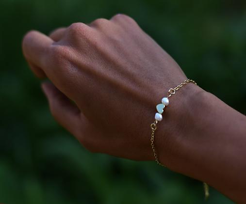 Retiazkový náramok s perlami