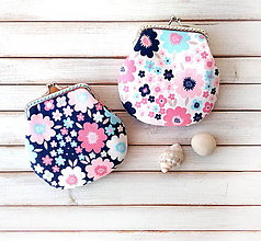 Peňaženky - Peňaženka Kvety dvoch farieb - M (Modrá s kvetmi) - 11470383_