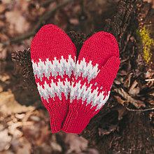 Čiapky - červený zúbkatý set (rukavice) - 11472927_