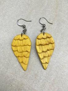 Náušnice - Drevené náušnice anjelské krídla (chir.oceľ) - 11474494_