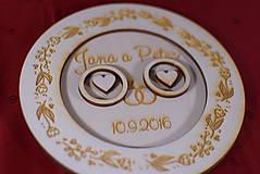 Prstene - Drevený podnos vankúšik na obrúčky gravirovaný 4 - 11472859_