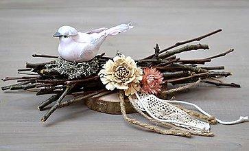 Dekorácie - Veľkonočná dekorácia s vtáčikom - 11476620_