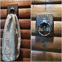 Nábytok - Rertro vešiak na uterák - 11475615_