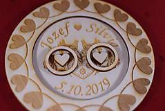 Prstene - Drevený podnos vankúšik na obrúčky gravirovaný 6 - 11475982_