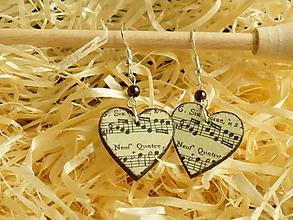 Náušnice - Srdiečkové náušnice s notami - 11480162_