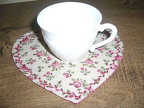 Úžitkový textil - Prestieranie srdiečko- ružičky - 11481122_