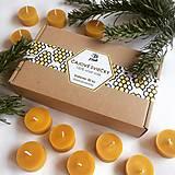 Svietidlá a sviečky - Čajová sviečka - včelí vosk (30ks) - v darčekovej krabičke - 11483340_