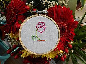 Dekorácie - Ručně vyšívaná květina - 11487049_