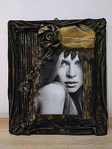Obrazy - Obraz- Žena v zlatom klobúku - 11487946_