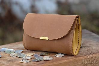 Peňaženky - Malá kožená peňaženka III. (Svetlohnedá / žltá) - 11490455_