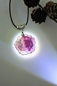 Náhrdelníky - fluoritový prívesok - kvet dvoh podôb.......... - 11490729_