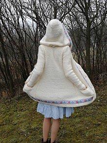 Svetre/Pulóvre - AKCIA - zo 199€ na 79€. Vlnený sveter, kabátik – Čistota - 11490309_