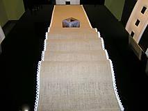Úžitkový textil - Jutový behúň s krajkou - 11493363_