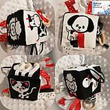 Hračky - Didaktická kocka čierno-biela - Zvieratka (Na dvore) - 11494297_