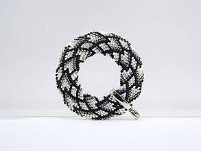 Náhrdelníky - Háčkovaný prívesok Donut Diamanty - 11498881_