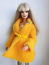 Hračky - Žltý kabátik pre Barbie - 11498770_