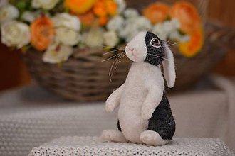 Dekorácie - Holandský králik čierny z plsti - 11496061_