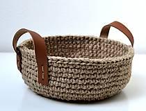 Košíky - Háčkovaný košík-jutový s koženými ušami - 11499613_