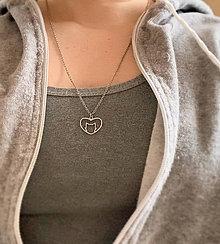 Náhrdelníky - mačička náhrdelník srdce - 11500482_