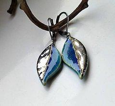 Náušnice - keramické náušnice - Modré lístky s platinou - 11500986_